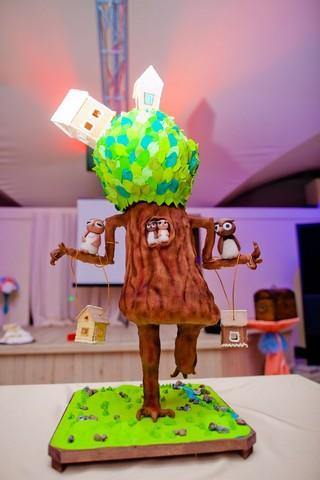Необычный торт на свадьбе